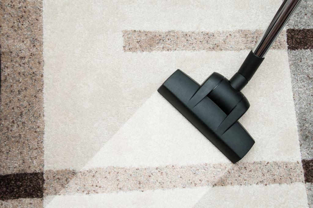 Zelf Tapijt Reinigen : Schoonmaken van vloerbedekking meubelreiniging